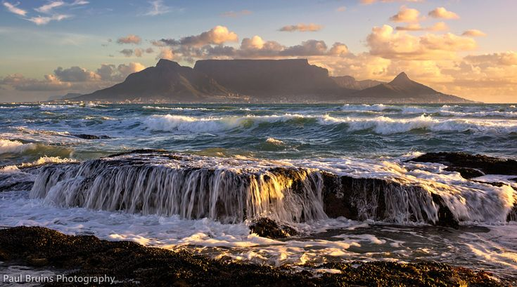 "500px / Photo ""Table Mountain at 50mm"" by Paul Bruins"