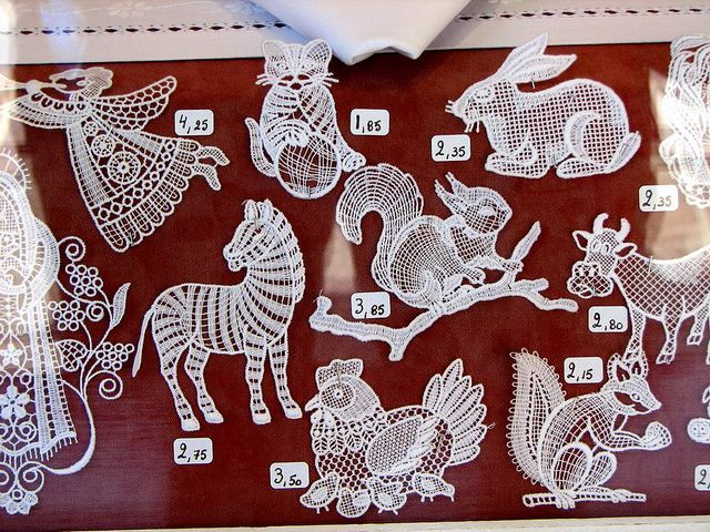 Cool Bruges lace crocheted animals!