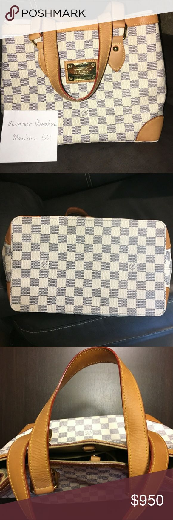 Louis Vuitton hampstead shoulder purse pm Authentic louis vuitton hampstead pm shoulder purse white checkered  This purse is my mothers she only used a few times ,and is very clean so its in perfect condition there r no signs of wear no stains no smells no marks on the corners  The inside has no marks or stain its clean  There r a very scratches on the gold plate Louis Vuitton Bags Shoulder Bags