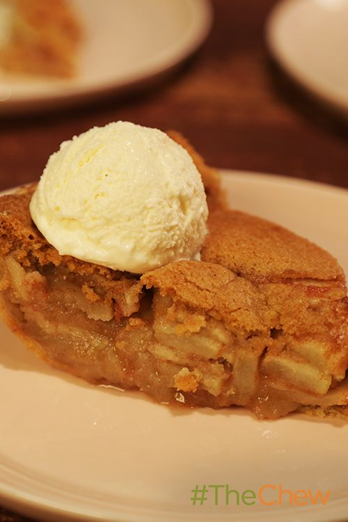 This Apple Snickerdoodle Pie is well worth the wait!