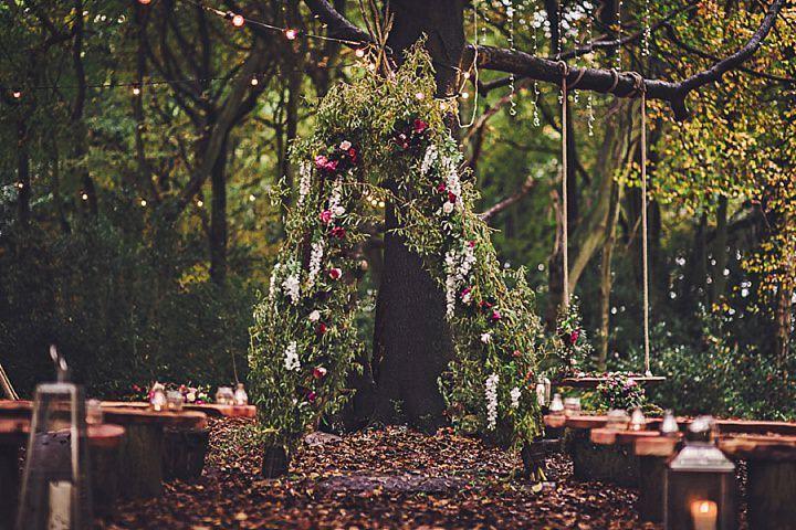Bohemian wedding ideas -  wedding arch and seating #rusticweddinginspiration