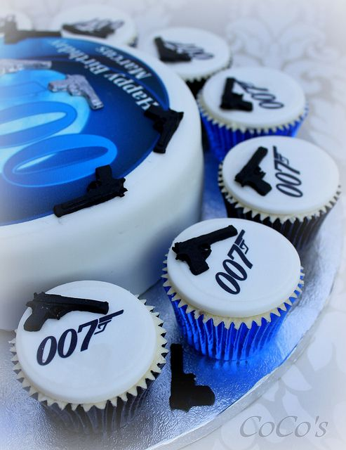 james bond cake, via Flickr.