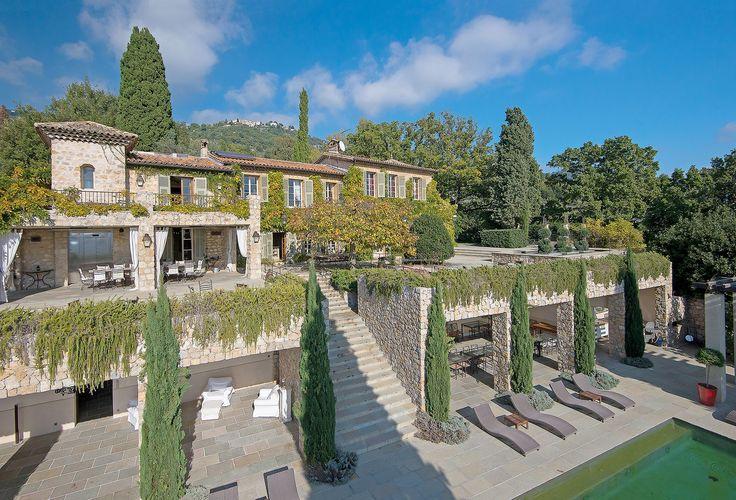 Luksusowa rezydencja Brigitte Bardot fot. EAST NEWS #luksusowe #rezydencje #dom #marzeń #brigitte #bardot #luxury #house #actress #showbusiness #celebrity #stars #gossip