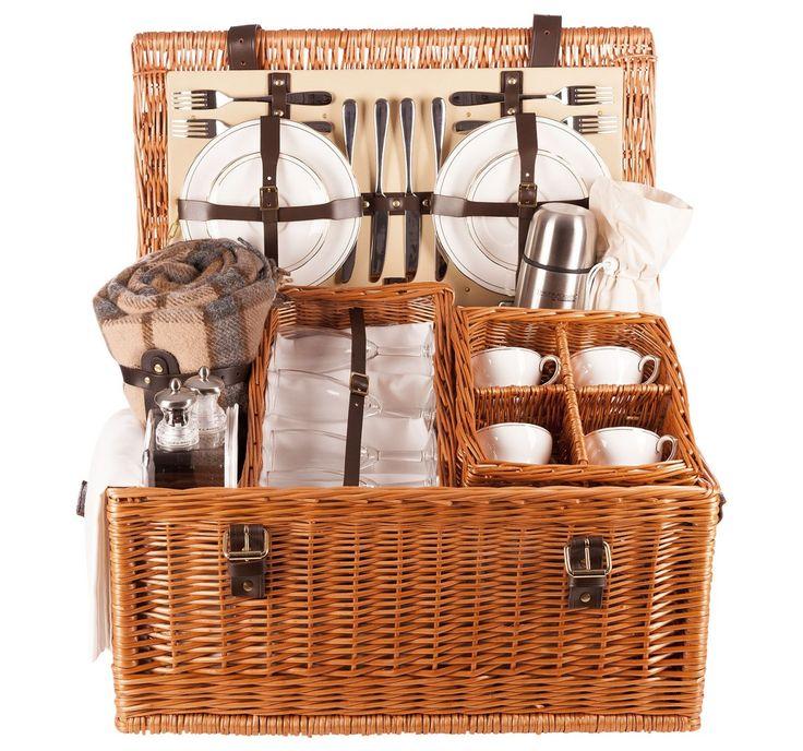 The Safari 4 person luxury picnic hamper in buff cream