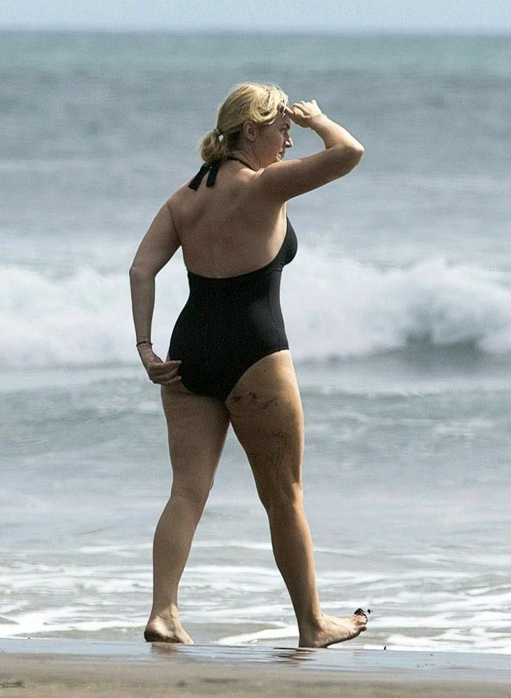 Kate Winslet on the beach, in 2019 | Kate winslet, Kate ...