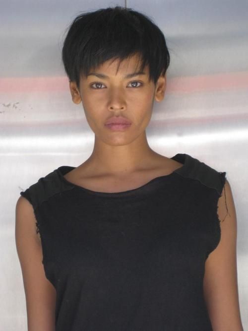 Amira Ahmed. | Beautiful short hair | Pinterest