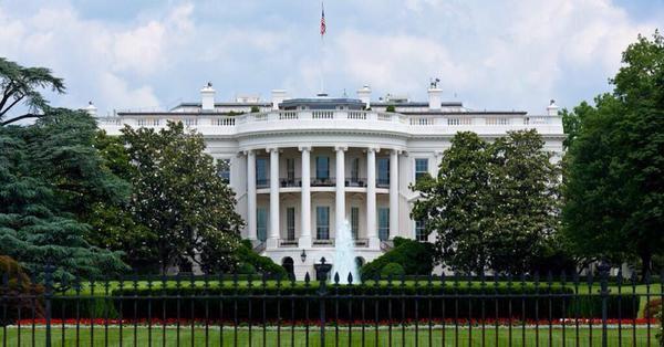 NYT: США планируют развернуть военный контингент в Сирии.             Администрация президента США Барака Обамы обсуждает возможность создания бесполетной зоны, а также зон безоп