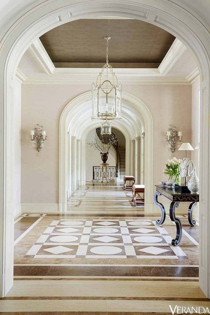 15 decor ideas for creating a glamorous and timeless entryway