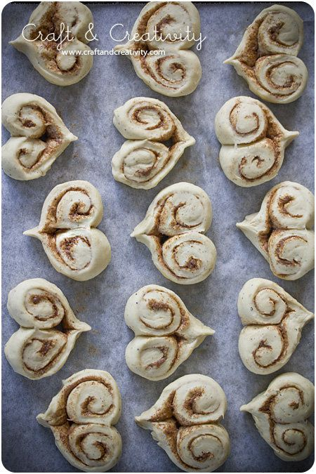 Cinnamon heart buns