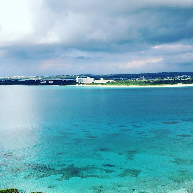 【ken_0805_myk】さんのInstagramをピンしています。 《. 雲に覆われてもこのブルーさが#南国 🏝 #沖縄#宮古島#来間島#前浜ビーチ#宮古ブルー#正月#里帰り#地元#東洋一#日本に誇れる#島#海 #miyakojima#miyakoisland#miyako#okinawa#japan#travel#travel #sea#blue#sky#beautiful#sunset#ocean#vacation#wave#tropical#january#winter》