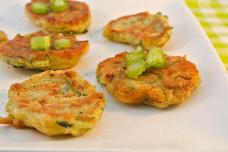 Courgette koekjes met feta | Lekker en Simpel