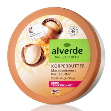 Alverde body butter with macadamia nut and sheabutter. Alverde is a German brand. All their products are ecocert, natural and organic. And this particular body butter smells so good. Sort of nutty and a bit like vanilla. It really moisturizes and makes my skin so soft. Even dry patches on my elbows disappear totally when I use this body butter. Love it!