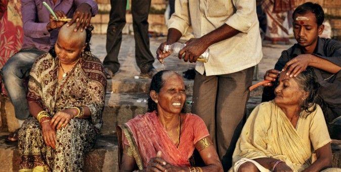 Hair India. La tratta dei capelli indiani verso l'Occidente, raccontata da Maria Tavernini. (Andrea de Franciscis)