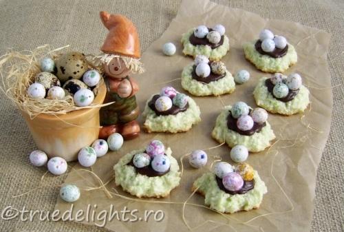 Fursecuri cuiburi cu oua pentru Pasti