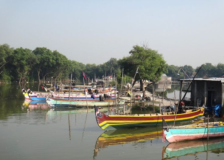 Fisherman's boats at estuary in Sidoarjo