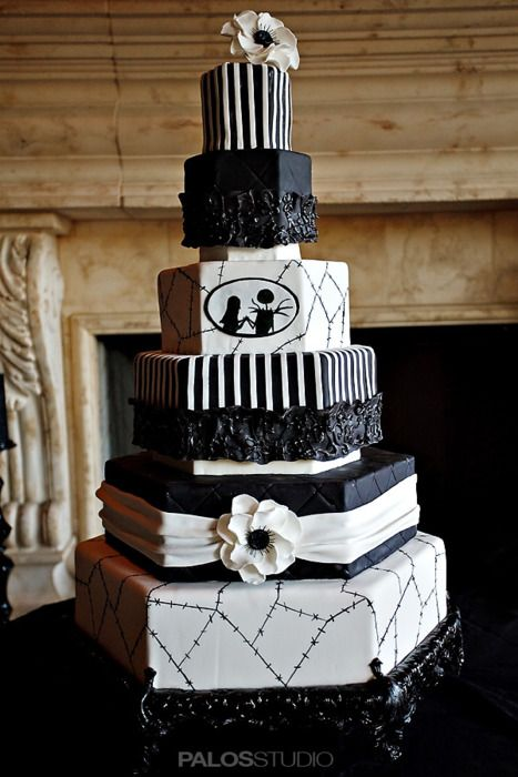 Exceptional The Nightmare Before Christmas Wedding Cake