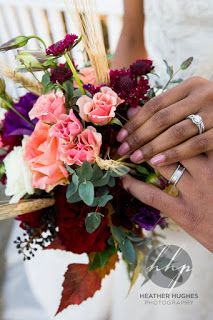 Lovely flowers for a Fall #wedding in Williamsburg. Photo by Heather Hughes Photography.
