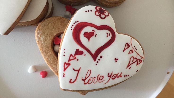 Biscotti di San Valentino (a forma di scatola) con sorpresa (video tutorial)