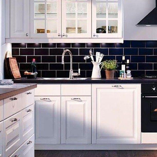 Dark Backsplash Dark Benchtop Kitchen Tiles Design Black