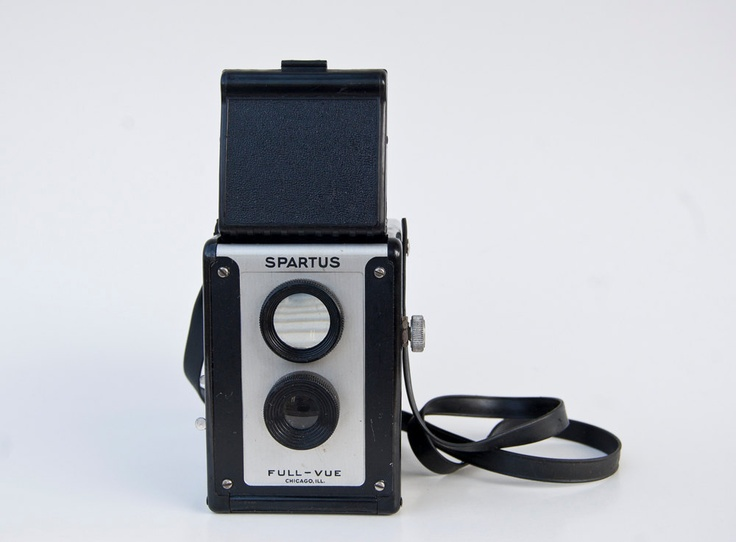 Spartus Full-Vue - 120 Twin Lens Reflex camera