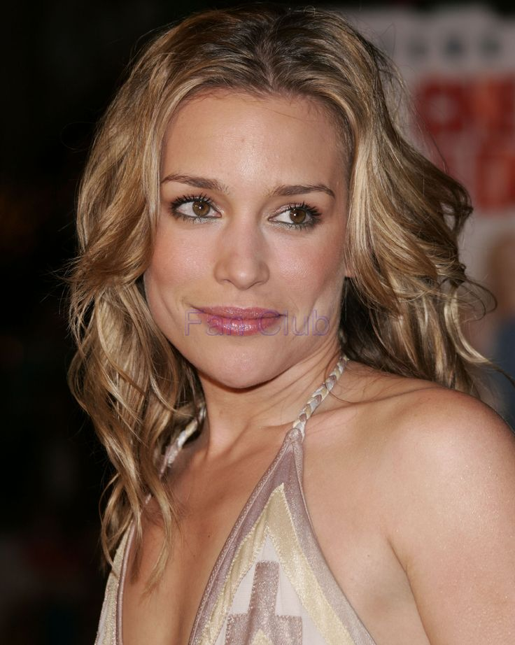 128 best piper perabo images on pinterest cobalt blondes and annie walker smart fun and still manages to pull of the job of piper perabomedium length sciox Gallery