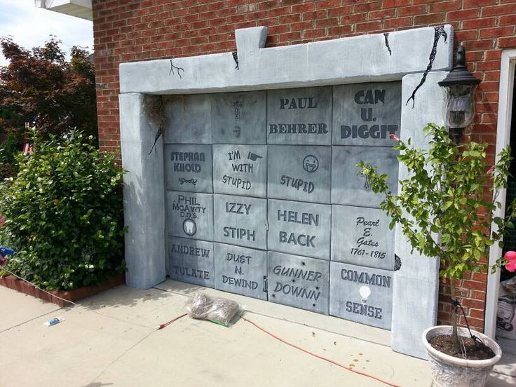 garage door cover! Some day would like to do something like this.