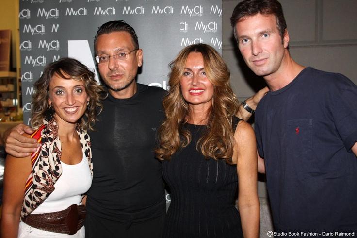 I volti della Fashions' Night Out Milano del 6 Settembre 2012. Al centro, Gianni Basile, responsabile skin care, e Paola MyCli.