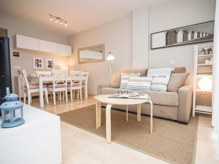 El antes y el después Un #apartamento renovado Este piso en la #CostaBrava se reformó para hacerlo más cómodo y que pudiese acoger a toda la familia durante las #vacaciones