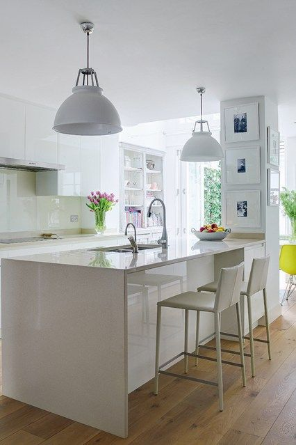 Support at end of the bench Bright Colour and Pattern White Kitchen - Kitchen Design Ideas (houseandgarden.co.uk)#ViewImage#ViewImage
