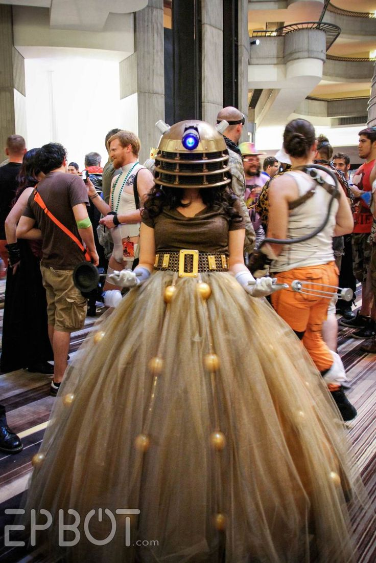 Gorgeous Dalek Cosplay (even  with the plunger and the whisk!)