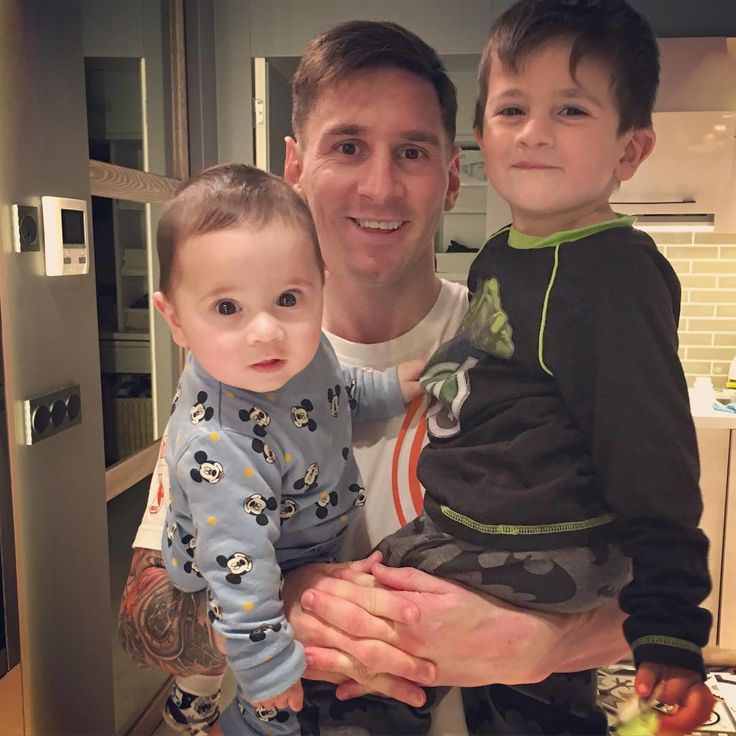 Mateo, Lionel and Thiago Messi