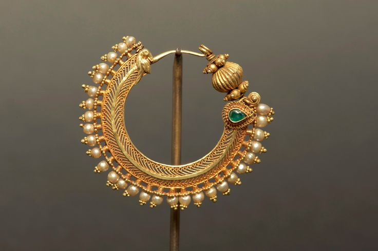 Indian gold nose ring | 19th century