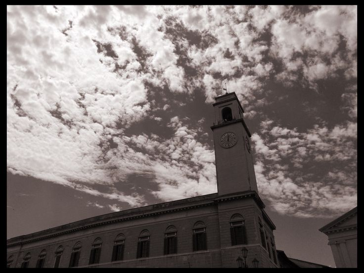 Cielo di Pisa, visto dal Ponte di Mezzo