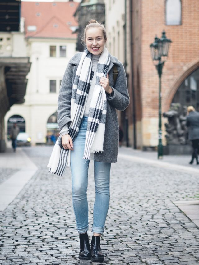 A cup of style - Nicole ♡ #acupofstyle #winter #scarf #coat #skinnyjeans #prague