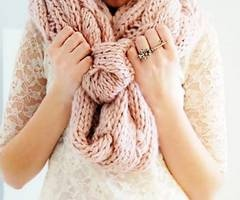 scarf: Circles, Lace, Knits Scarves, Hands, Big Scarves, Dusty Pink, Inspiration Pictures, Grey, Pink Scarves