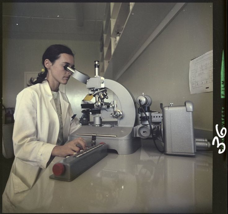 326714PD: Working in the laboratory, Princess Margaret Hospital for Children, 1971. http://encore.slwa.wa.gov.au/iii/encore/record/C__Rb2412103__Slaboratories%20western%20australia__Ff%3Afacetmediatype%3Av%3Av%3APhotograph%3A%3A__P0%2C17__Orightresult__U__X3?lang=eng&suite=def