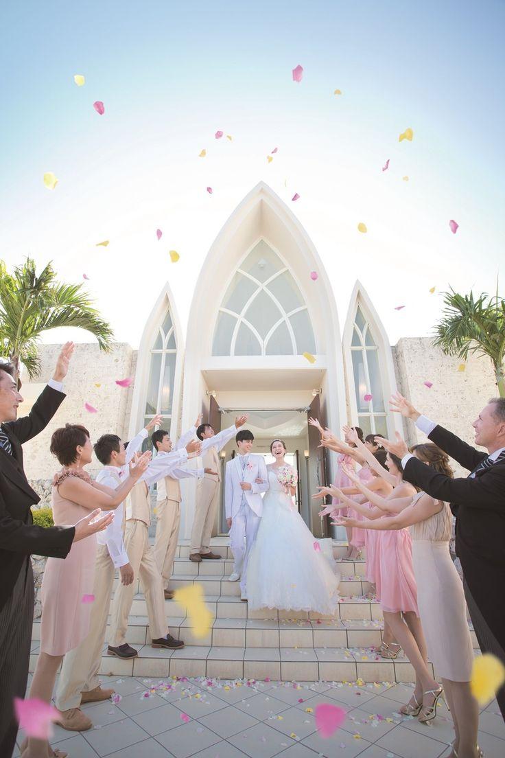 空と海の青に囲まれたチェペルで開放感あふれる挙式♡沖縄での結婚式一覧♡ウェディング・ブライダルの参考に♡