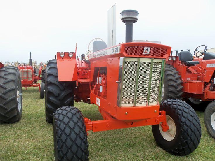 Front of Allis CHalmers D21 Allis chalmers tractors