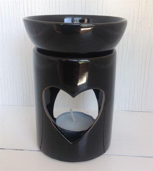 Duftlampe med hjerte. Sort keramik. Ca. 13 cm høj.