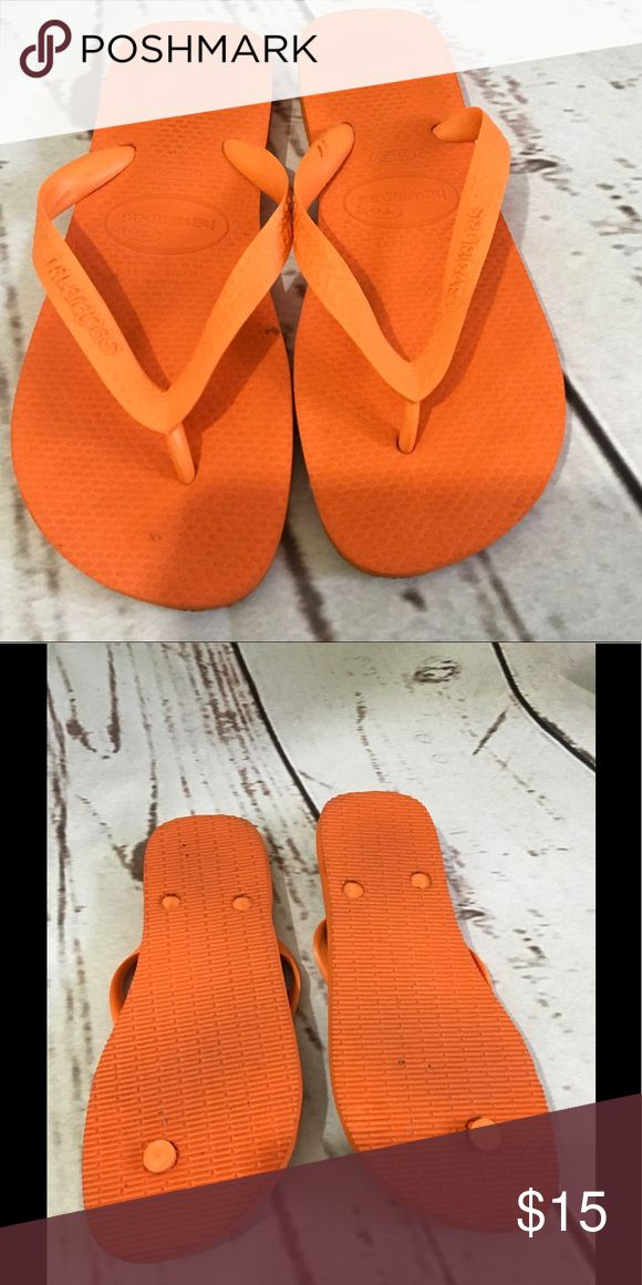 Havaianas Orange Flip Flop Like new Havaians flip fiop bright orange. Havaianas Shoes Sandals