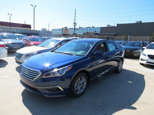 Check out this beautiful new lakeside blue 2015 #Hyundai #Sonata #SE, which is now only $20,045! at #HyundaiofMetairie. More info visit: http://www.hyundaiofmetairie.com/VehicleDetails/new-2015-Hyundai-Sonata-4dr_Sdn_2.4L_SE-Metairie-LA/2450987053    #Metairie #Louisiana