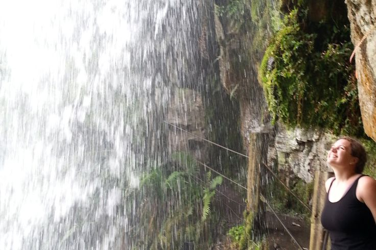 Travel to a Pocahontas waterfalls only one hour from Bogotá. Waterfall El Chiflón in Choachí, Cundinamarca.
