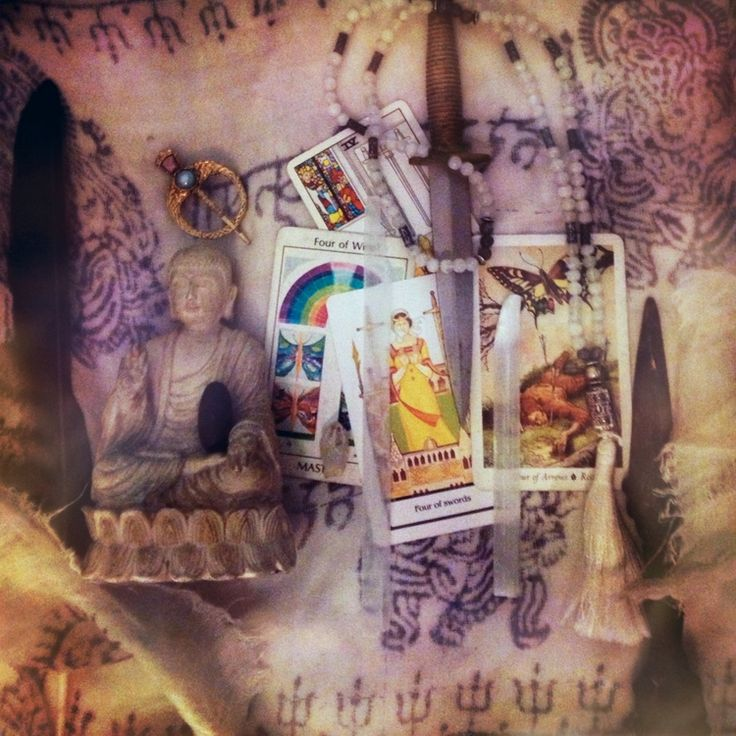 """TAROT DECAN 10/13- 10/22: FOUR OF SWORDS """"A DAY FOR ME, MYSELF AND I""""  Also note: When to speak, the power of silence, and stepping away as points of meditation.   http://www.thesacredother.com/blog/2015/10/9/tarot-decan-1013-1022-four-of-swords-a-day-for-me-myself-and-i"""
