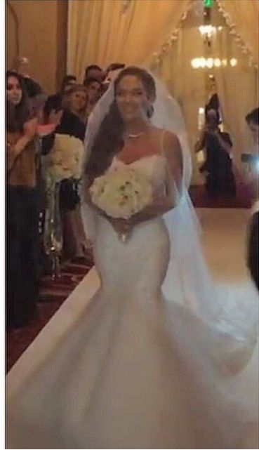 Jessica and Mike, Shahs of Sunset gets married. Love the flowers on the drapery.