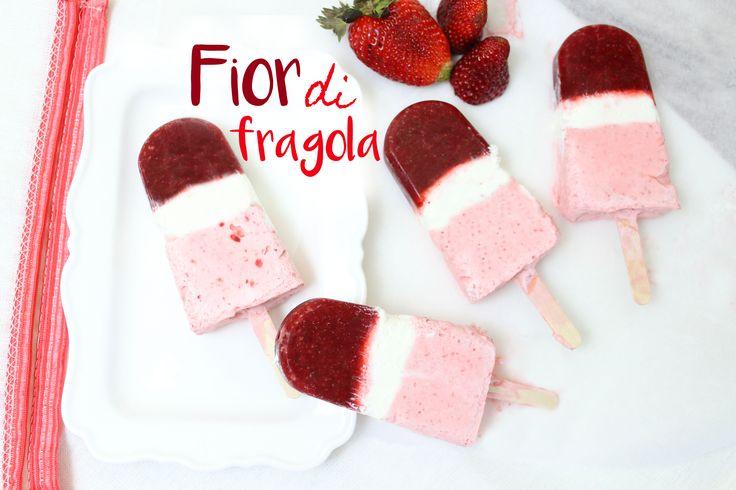I fior di fragola fatti in casa sono dei gelati golosi e semplici! Sono molto leggeri e per prepararli vi occorreranno solo questi ingredienti: