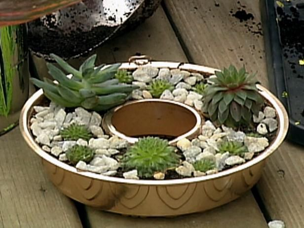 Create A Cute Planter That Fits Around A Patio Umbrella