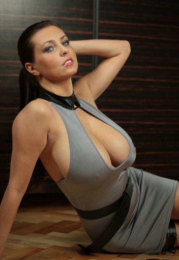 Karrie webb in bikini