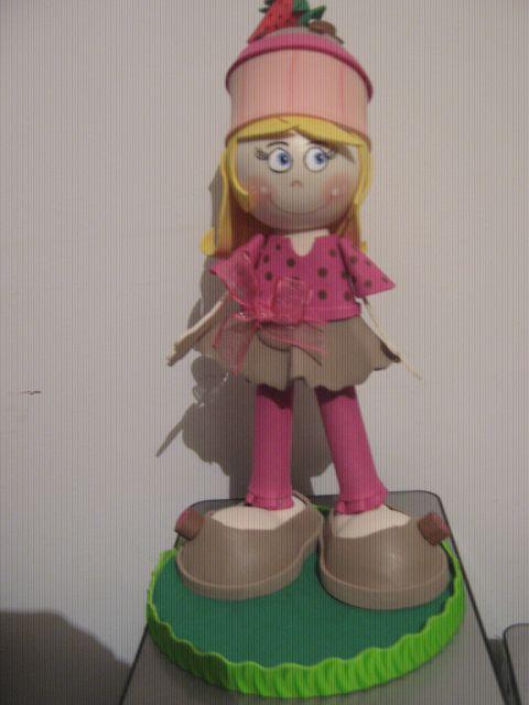 muñeca cupcake fresa con chocolate
