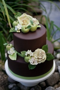 Stunning against the dark fondant