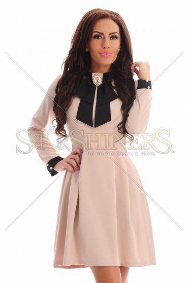 LaDonna Utterly Famous Cream Dress